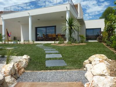 R alisations exemples de r alisation de jardins fontaines piscines portales montpellier for Jardin terrasse mediterraneen